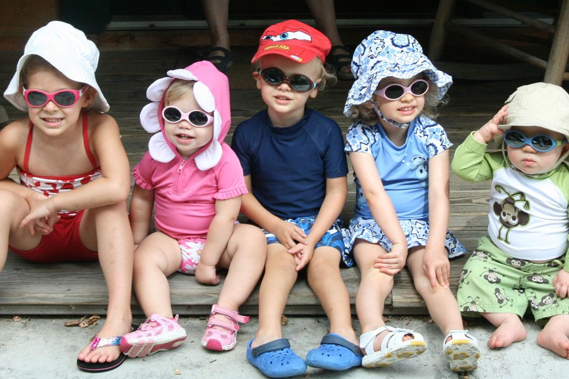 add29ed4eaaf1 Como escolher os óculos de sol para os mais novos  – Chiado Eyeglass ...
