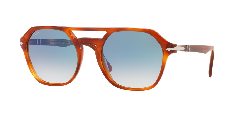 fd2cb923b0935 Com os novos óculos Persol, os mais pequenos detalhes têm muita importância!
