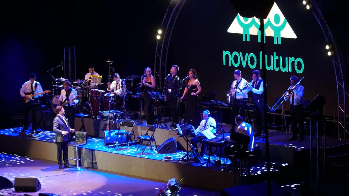 Apoiámos a Associação Novo Futuro num concerto inesquecível de Marco Paulo