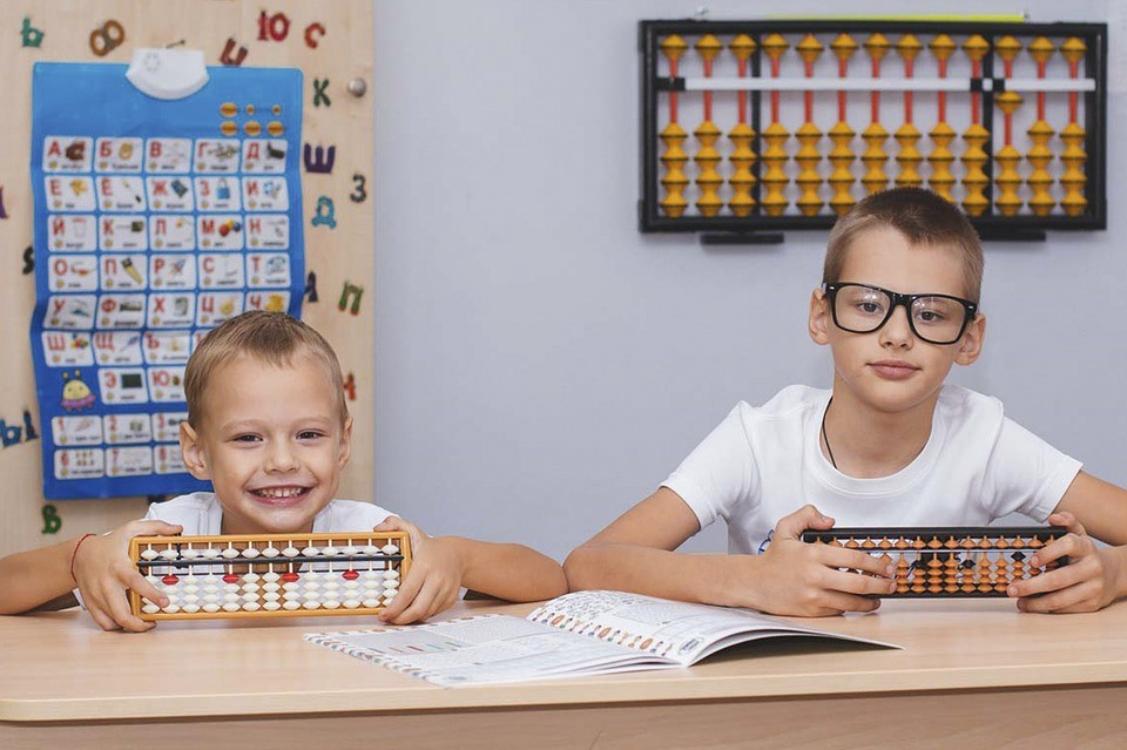 Ótica de criança: sabia que a visão é fundamental para o sucesso escolar?