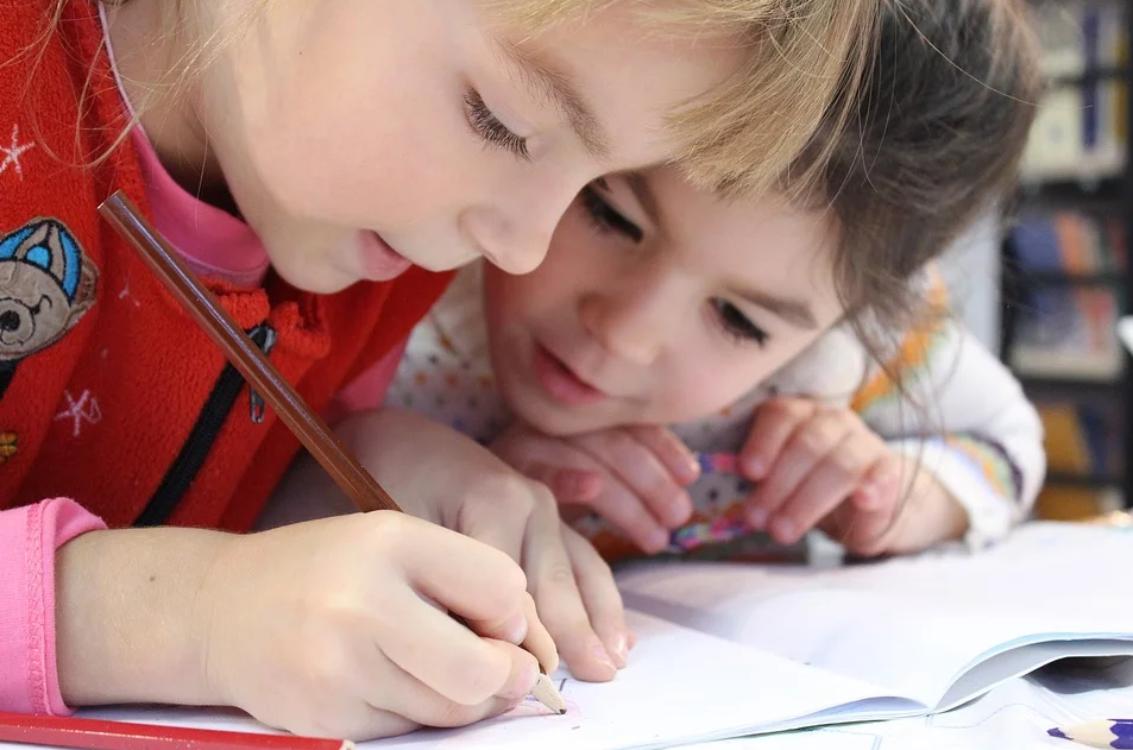 Ótica de criança: sabia que os problemas de visão interferem com o rendimento escolar?