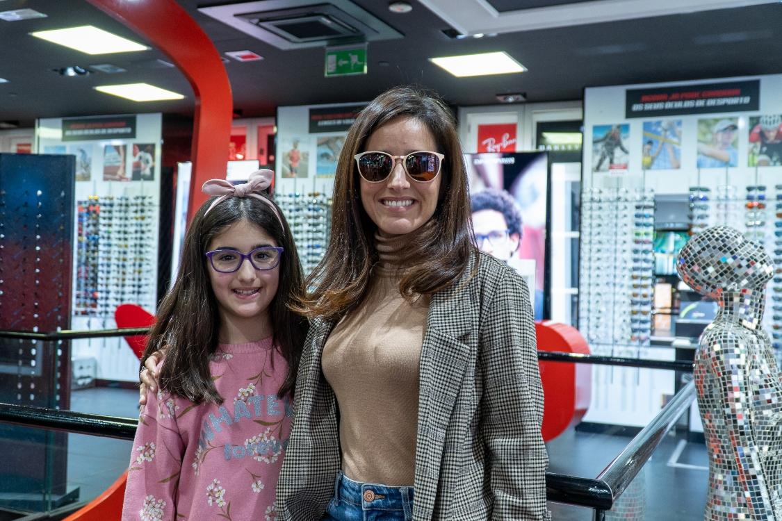 Filha de Marta Fernandes ficou encantada com a nossa ótica de criança!