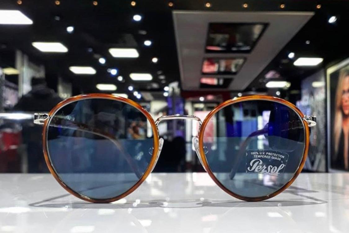 Adquira os seus óculos Persol na nossa loja online!