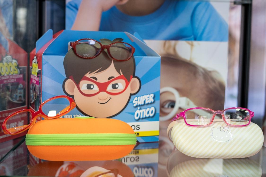 Neste regresso às aulas, conte com a resistência dos óculos Nano Vista!